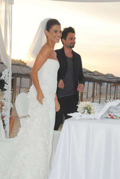 Matrimonio Spiaggia Pesaro : Bianca guaccero e dario acocella matrimonio sulla