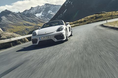 nuovo massimo aspetto dettagliato design innovativo Porsche 718, al volante di Cayman GT4 e Spyder per provare ...