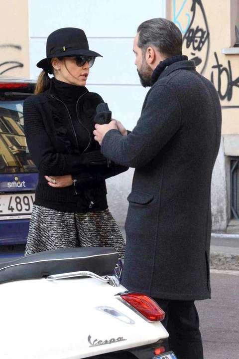 Cecilia capriotti lite in strada con il fidanzato for Mobilia fano