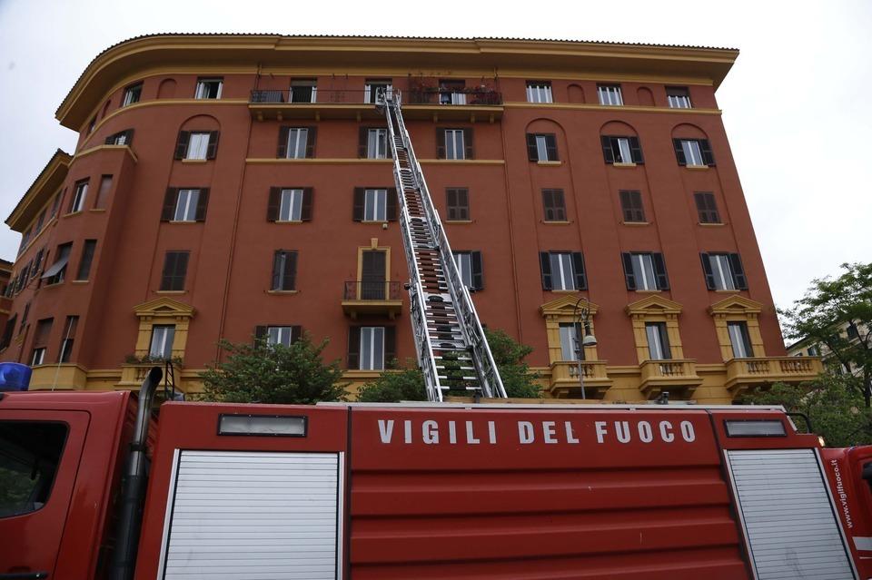 Incendio nell 39 attico di piazza mazzini cecilia fabiano - Mercatino di natale piazza mazzini roma ...